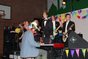 11-Orkester%20og%20kor%20til%20årsfestshow